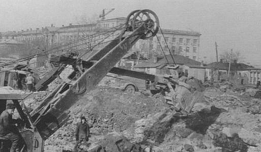 Строительство площади им. В.И. Ленина